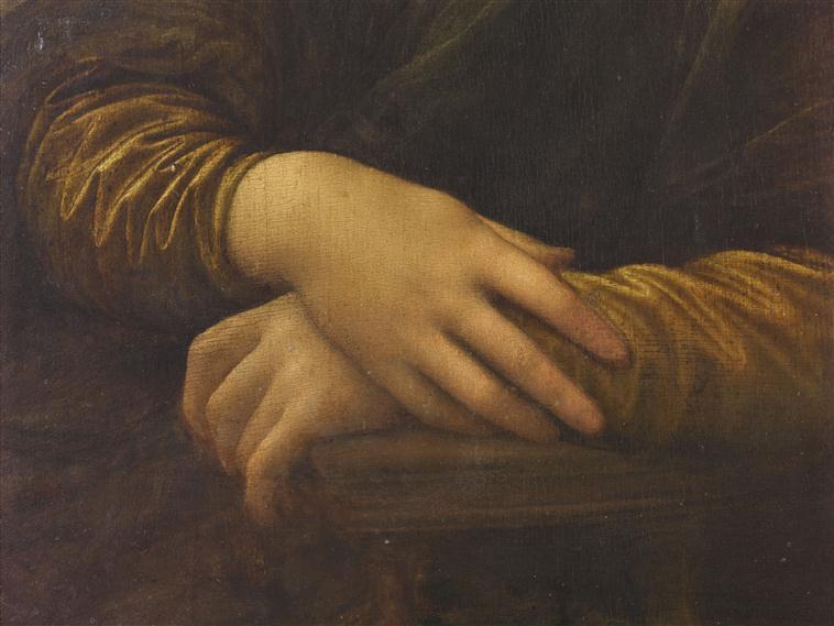mona-hands